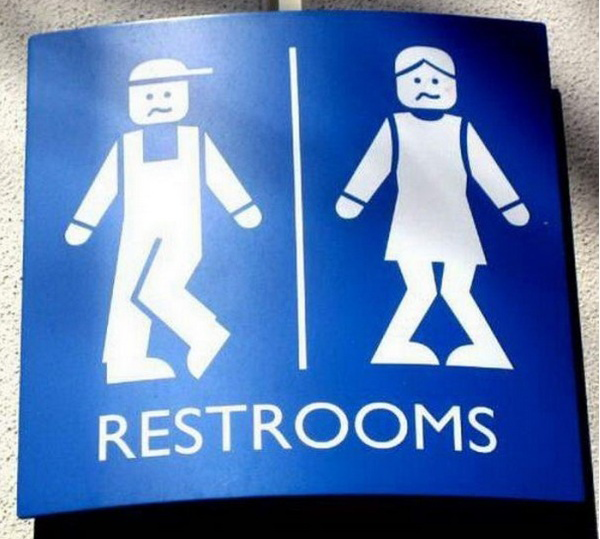 40 Funny and Creative Toilet Door Signs #1
