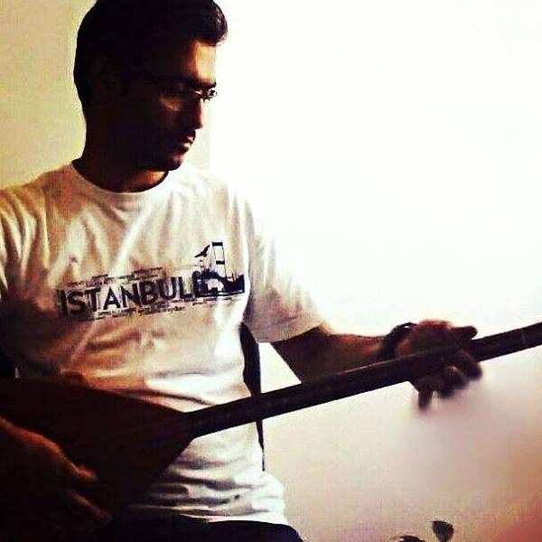مرتضی خسرو شاهی مدرس ساز باغلاما . آموزشگاه موسیقی فریدونی