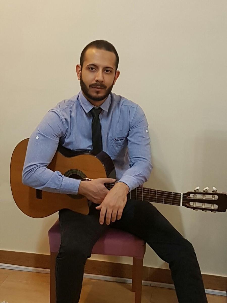 بهنام پور شهاب . آموزش گیتار . آموزشگاه موسیقی فریدونی