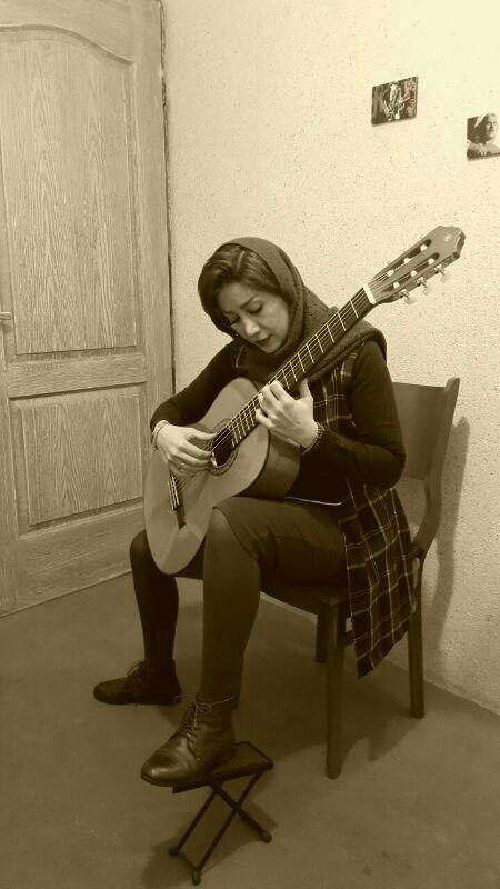 مرضیه نی زن . مدرس گیتار کلاسیک . ارف کودک . تئوری موسیقی . آموزشگاه موسیقی فریدونی